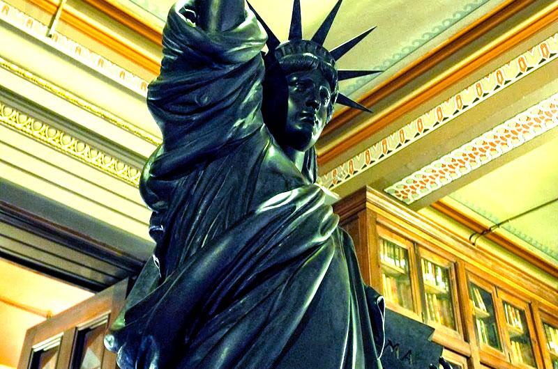 estatua-de-la-libertad-actividades-para-empresas-en-barcelona